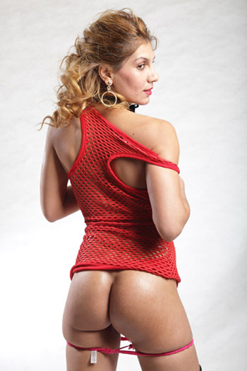 Lisa blonde experienced escort girl from Berlin an uninhibited erotic model