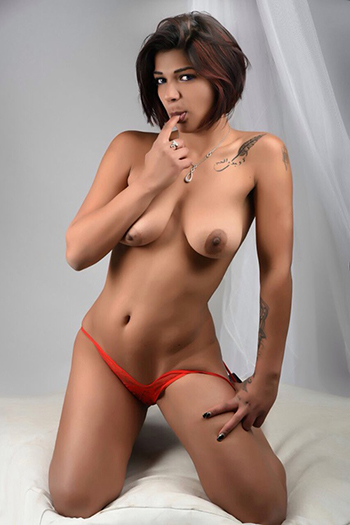 Sex horny escort woman Meri in Berlin full service