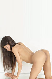 Get to know private hooker Josephin for an erotic oil massage with verbal erotic service through the Berlin Escort agency