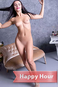 Book private model Saviya at short notice for an erotic oil massage with egg licking service through the Berlin escort agency